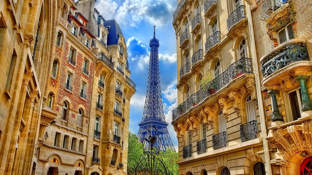 Where to Stay in Paris for the Ultimate French Experience